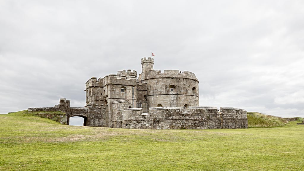 IMAGE: http://www.ware.myzen.co.uk/GalleryPics/Photos/Architecture/Arch%20Pendennis%20Castle%20A19_001-02_07-09-19.jpg