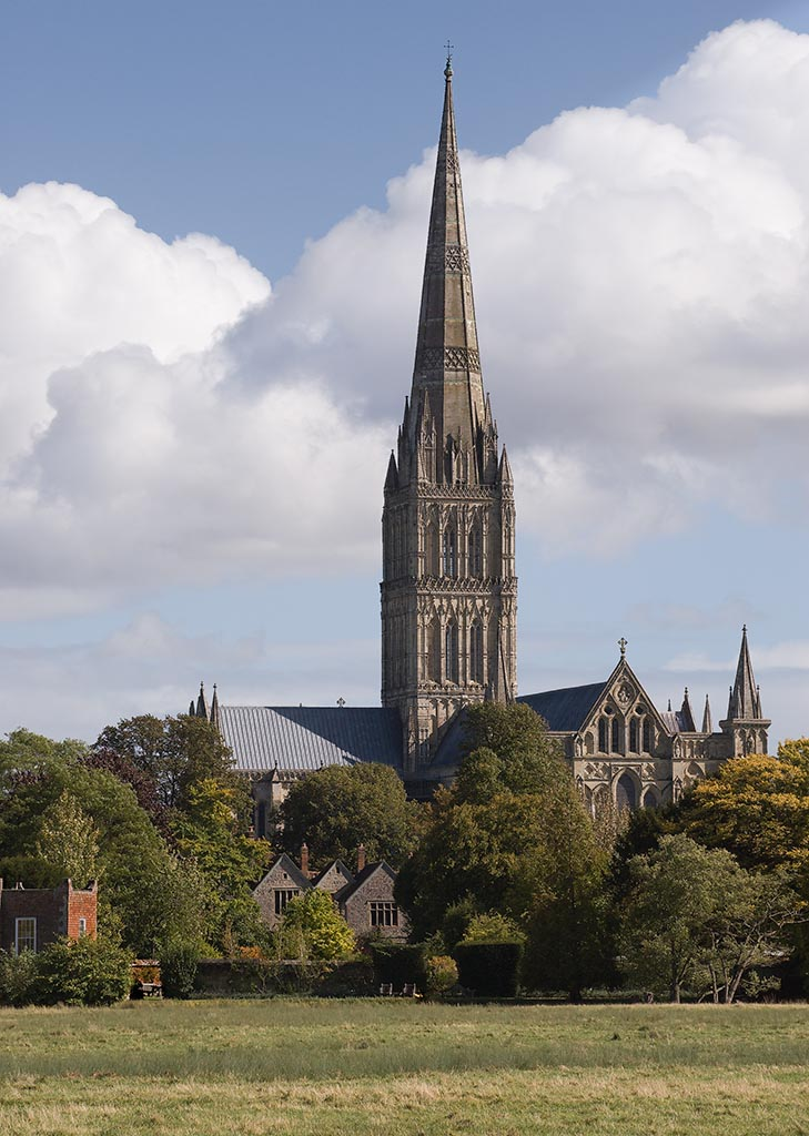 IMAGE: http://www.ware.myzen.co.uk/GalleryPics/Photos/Landscape/General%20Salisbury%20Cathedral%20276%20240907.jpg