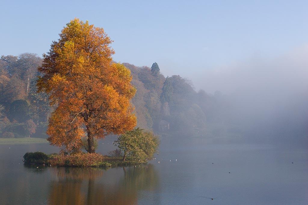IMAGE: http://www.ware.myzen.co.uk/GalleryPics/Photos/Landscape/Landscape%20Stourhead%20Gardens%20091%20061106.jpg