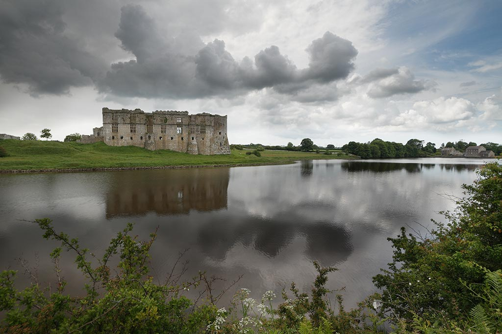 IMAGE: http://www.ware.myzen.co.uk/GalleryPics/Photos/Landscape/land%20Carew%20Castle_087-89_11-06-12.jpg