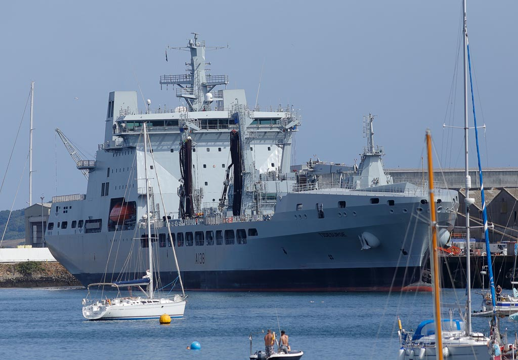 IMAGE: http://www.ware.myzen.co.uk/GalleryPics/Photos/Transport/trans%20RFA%20Ships_002_06-08-18.jpg