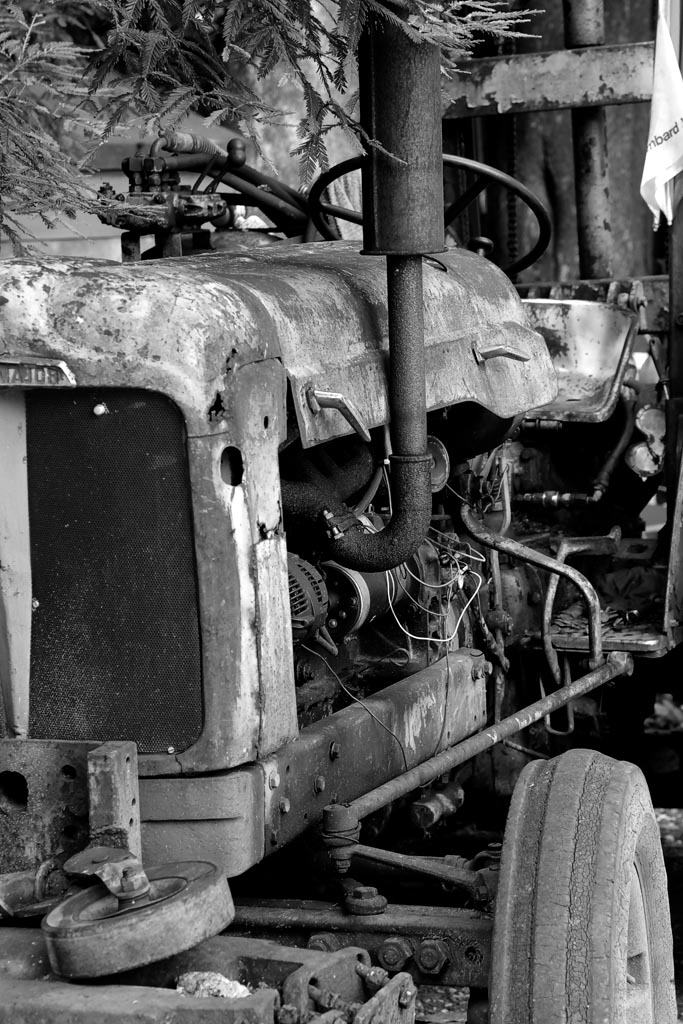IMAGE: http://www.ware.myzen.co.uk/GalleryPics/Photos/Transport/trans%20old%20tractor_002_21-07-19.jpg